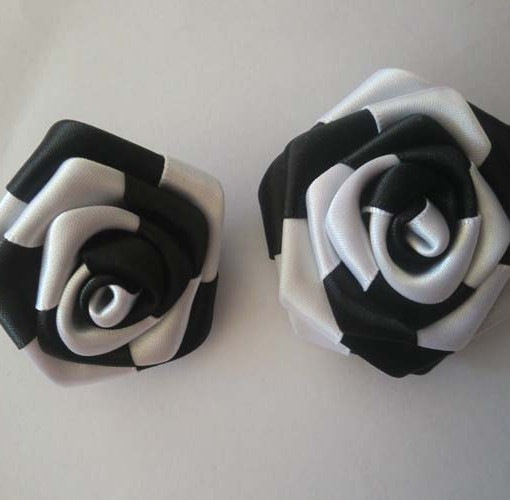 Lapel flower pin in black what